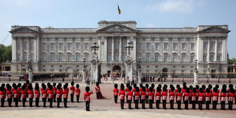 Buckingham palace christmas decorations pics