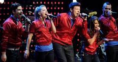 2011__01__Glee_Valentines_Day_Jan21newsne 300×189.jpg