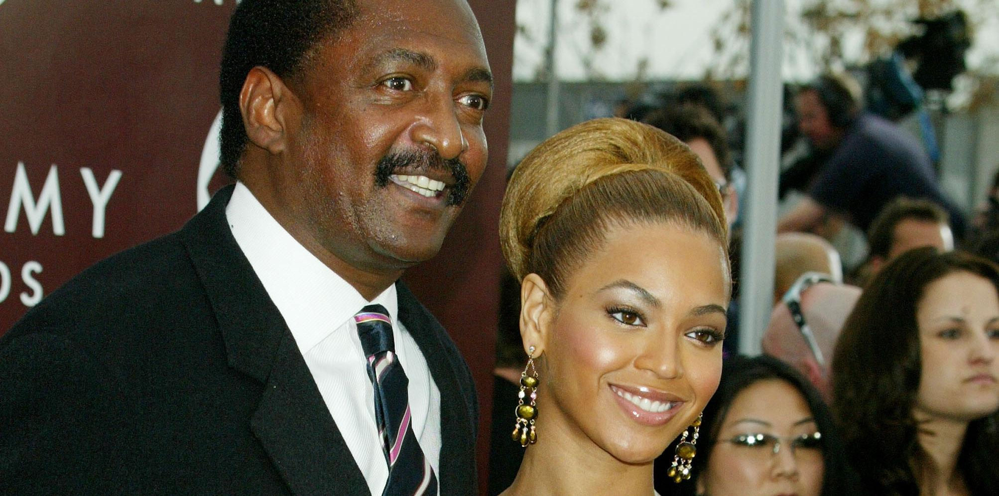 Matthew knowles sued selling beyonce memorablilia 03