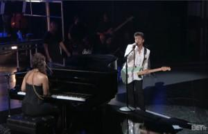 2011__06__Bruno_Mars_Alicia_Keys_BET_June27newsne 300×193.jpg