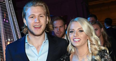 Bachelor twin emily ferguson dating vegas golden knights center william karlsson