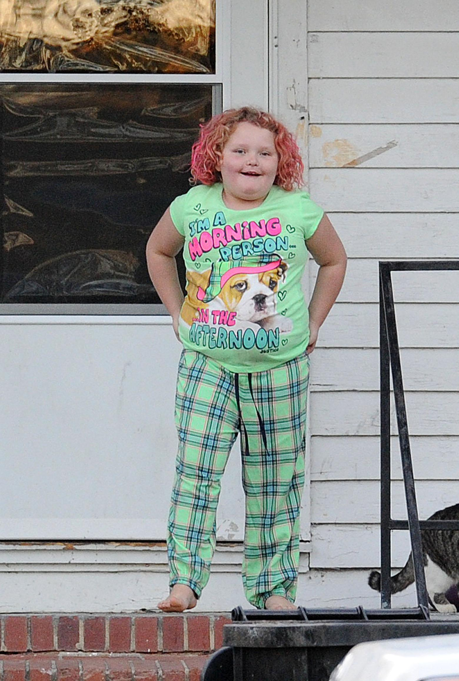 Honey Boo Boo and family seen in their front yard in GA