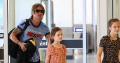 Keith urban kids post pic
