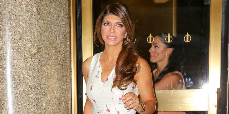 Teresa giudice storms off access hollywood hr
