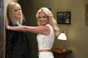 2010__08__Britney_Spears_Glee_Aug20_01 300×199.jpg