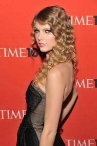 2010__05__Taylor_Swift_May7newsne 199×300.jpg