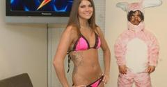2011__02__Aspen_Rae_Howard_Stern_Feb23newsea 300×199.jpg