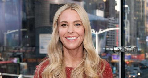 kate gosselin extra tv appearance red shirt long hair