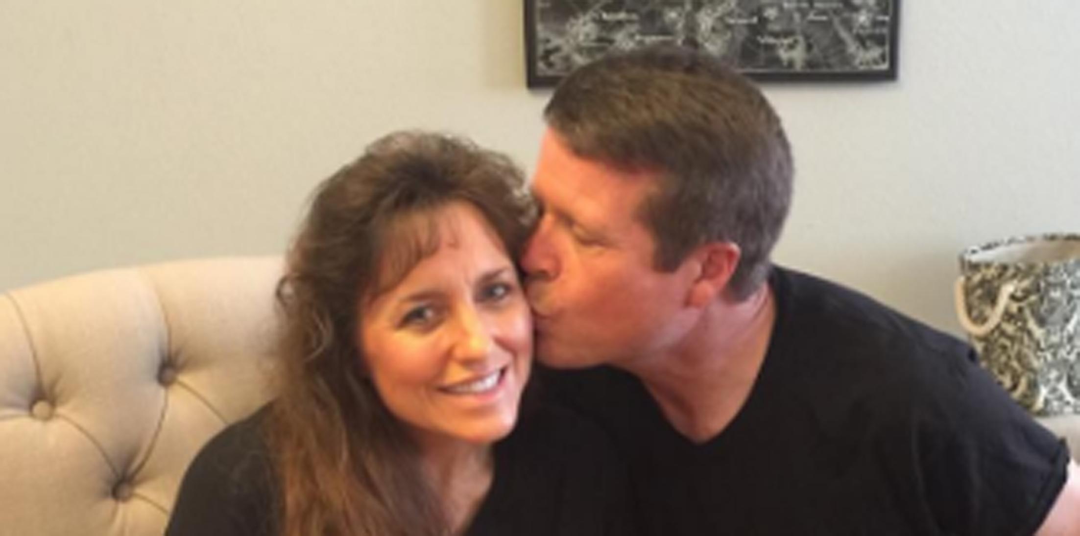 Fans slam jim bob michelle duggar shareing marriage advice hero