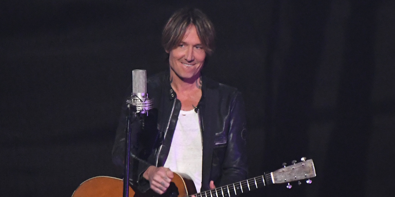 keith-urban-others-perform-at-country-music-awards-2020