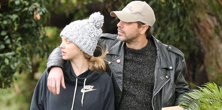 Amanda Seyfried Expecting Baby Fiance Thomas Sadoski Long
