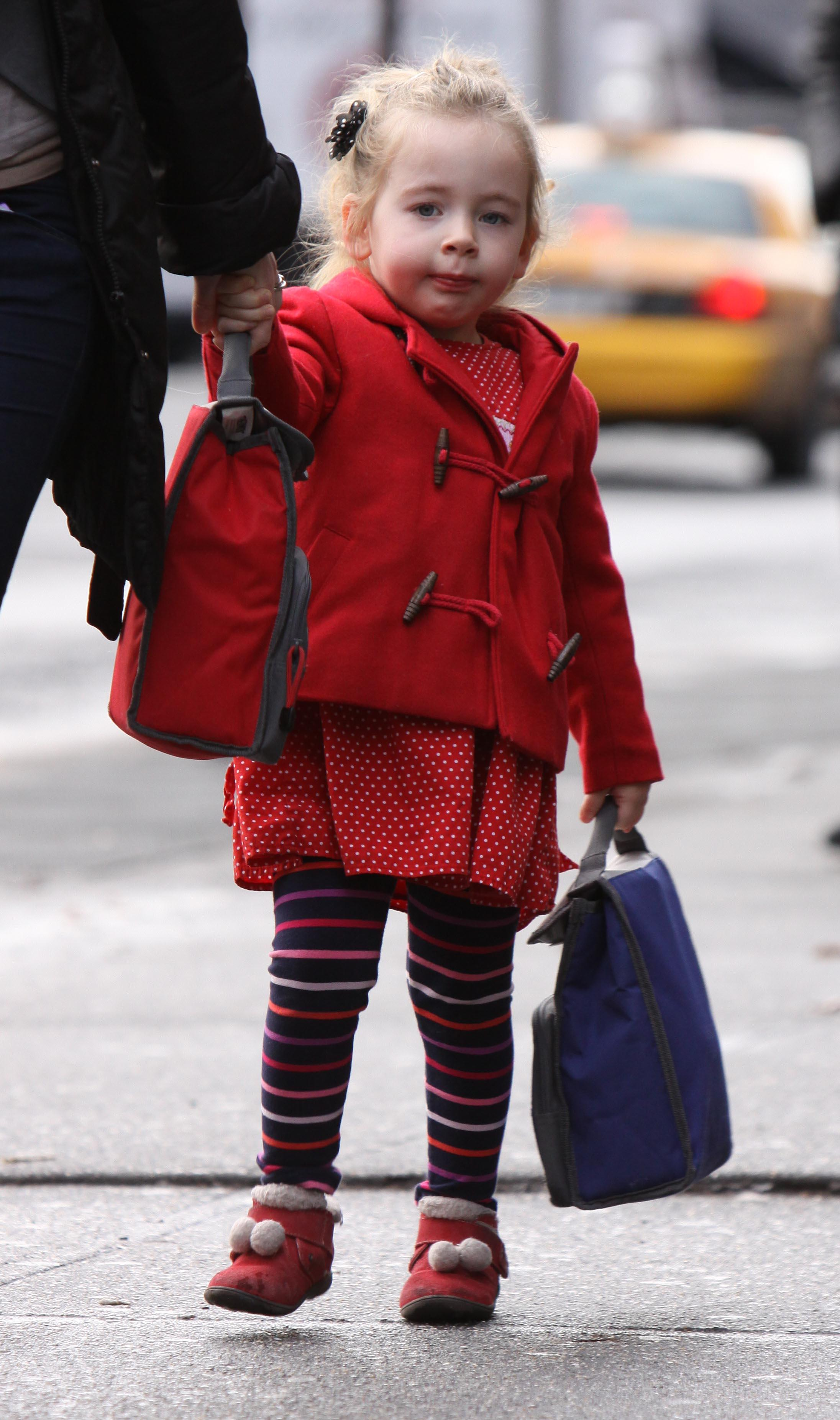 Sarah Jessica Parker's twins daughters walking to school in NYC