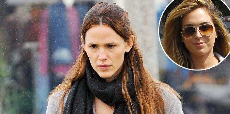 Jennifer Garner Takes Her Kids To Church In The Rain