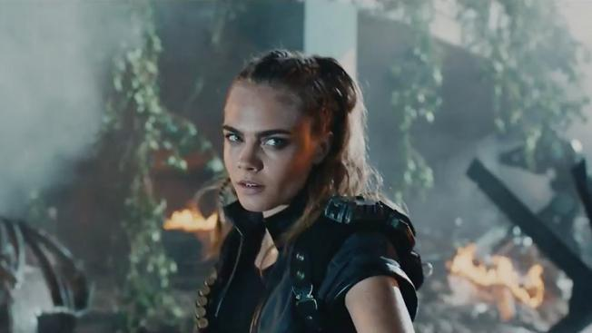 Cara delevingne call of duty hed 2015