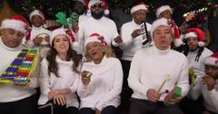 anna kendrick darlene love sing christmas jimmy fallon video pp