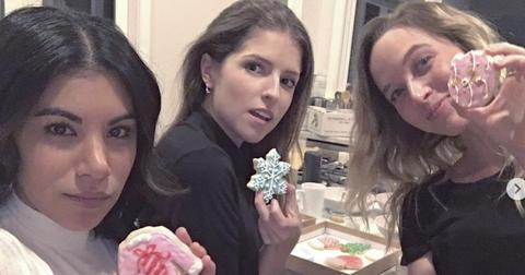 Anna Kendrick xmas selfie with two friends