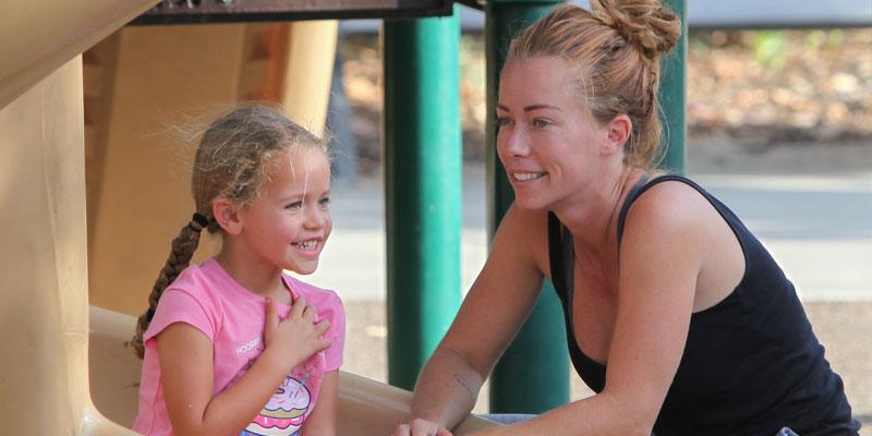 Kendra Wilkinson With Kids PP