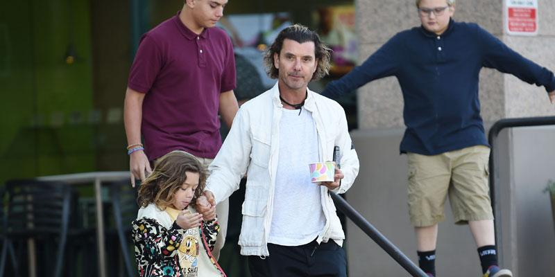 Gavin Rossdale With Sons Getting Ice Cream