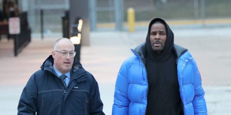 r-kelly-placed-in-solitary-confinement