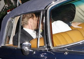Will kopelman drew barrymore kiss jun4 wedding.jpg