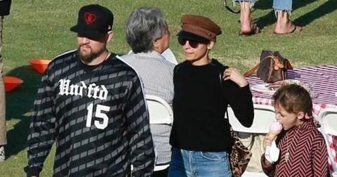 Nicole Richie Joel Madden Take Kids To Picnic Photos hero