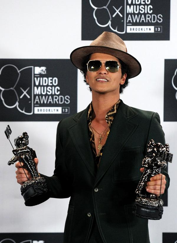 2013 MTV Video Music Awards – Press Room