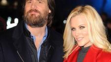 2010__02__Jim_Carrey_Jenny_McCarthey_Feb15newsne 225×193.jpg