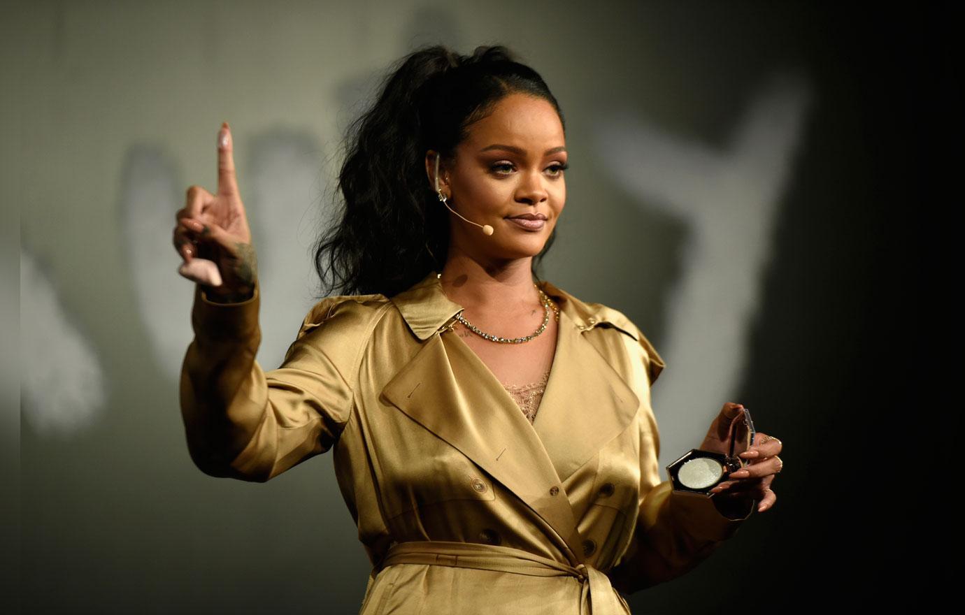 Rihanna Super Bowl 5