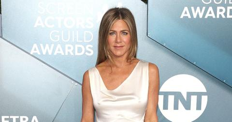 jennifer aniston blonde highlights hair the morning show