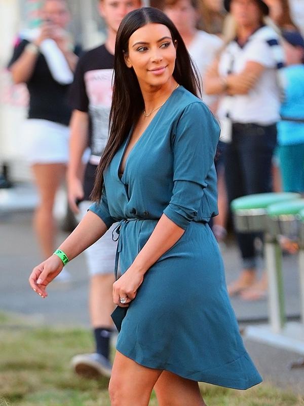Scott Disick and Kourtney Kardashian take Mason to a street fair in the Hamptons, NY with Kim Kardashian, Kendall Jenner and Haylie Baldwin