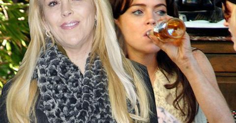 Lindsay Lohan Leaves Rehab Mom Dina