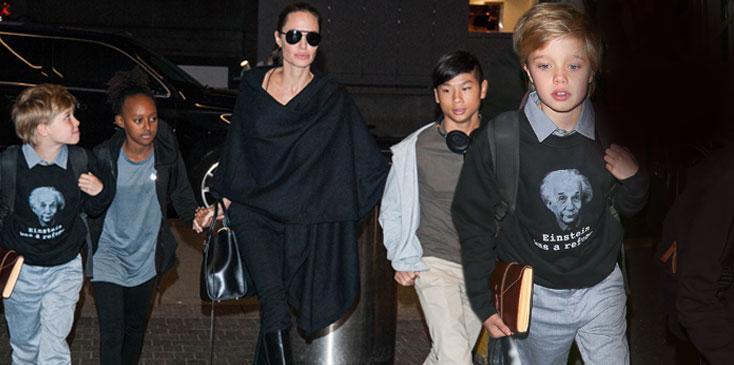 Shiloh Jolie Pitt Boy Gender Angelina Brad Dressing