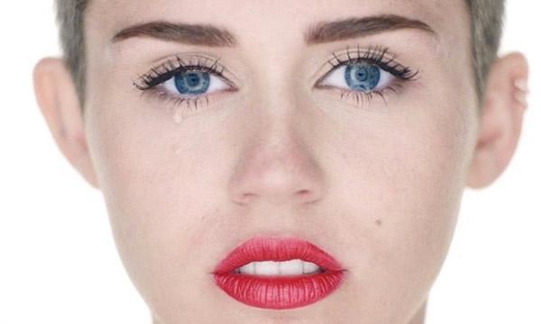 Miley cyrus wrecking ball naked