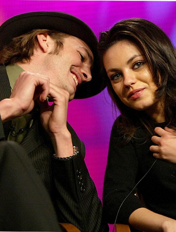 Ashton kutcher mila kunis aug1.jpg