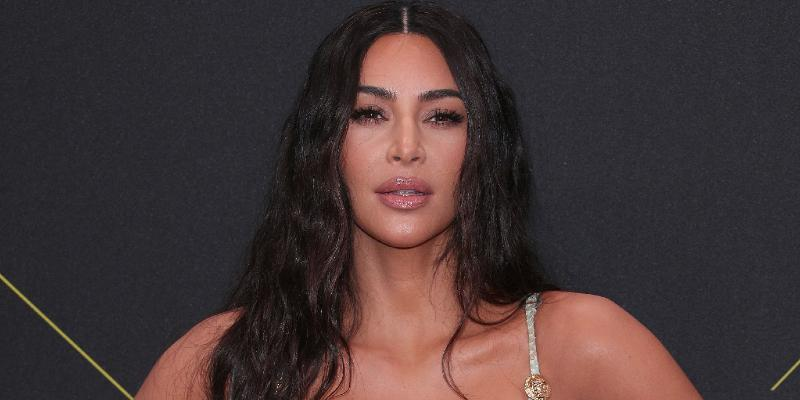 see-kim-kardashian-wearing-adress-with-her-face