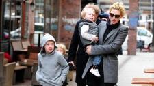 2010__04__Cate_Blanchett_April12_449 225×149.jpg